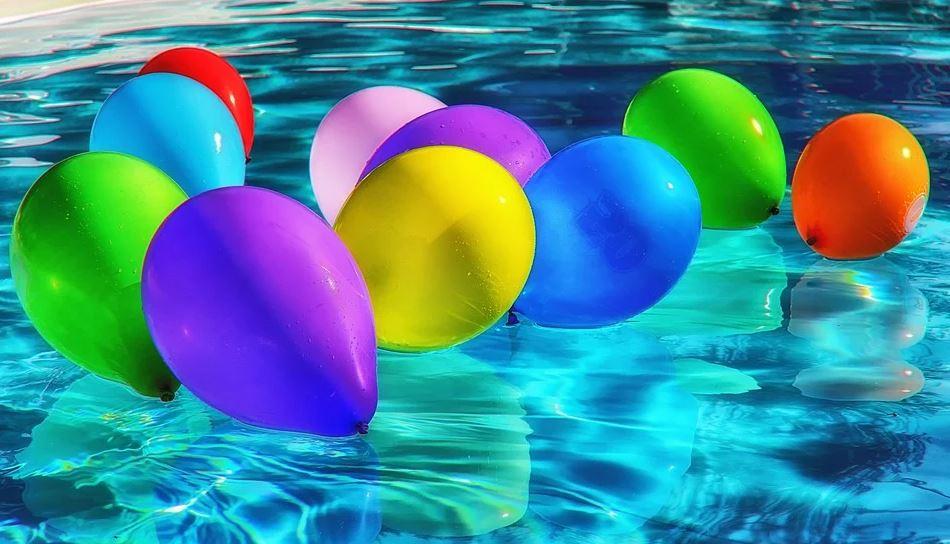 balónky na hladině