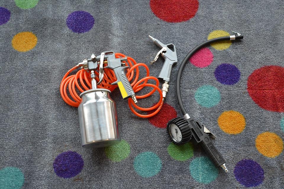 nástroje ke kompresoru